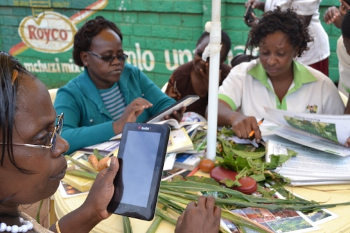 Kenya tablets at a plant clinic